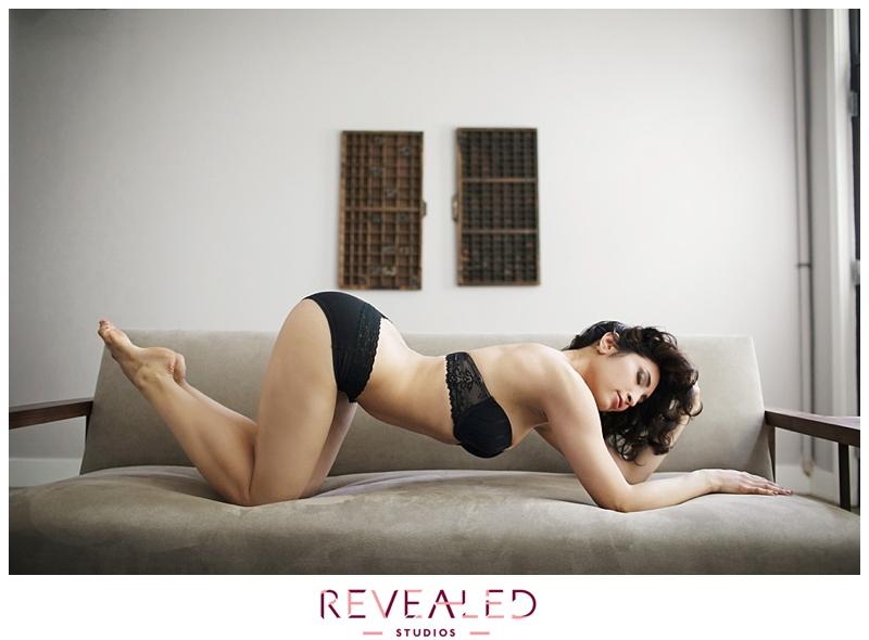 boudoir photography poses