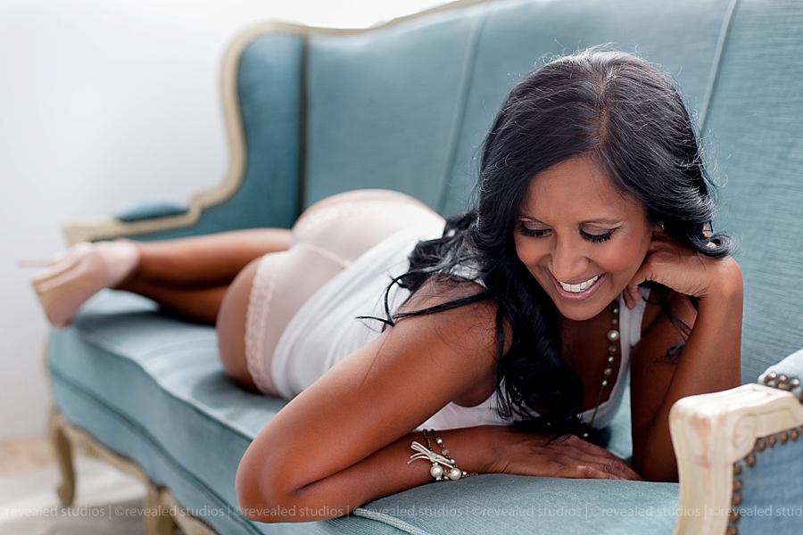 boudoir photos laughing on couch