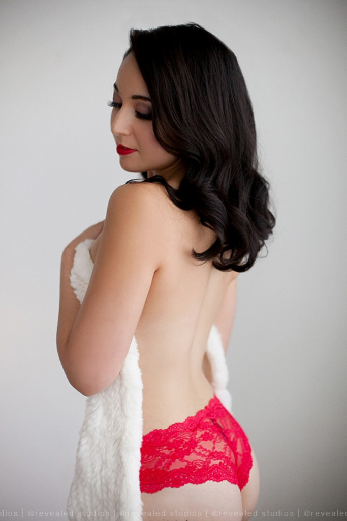 Valentine's day mini-boudoir sessions