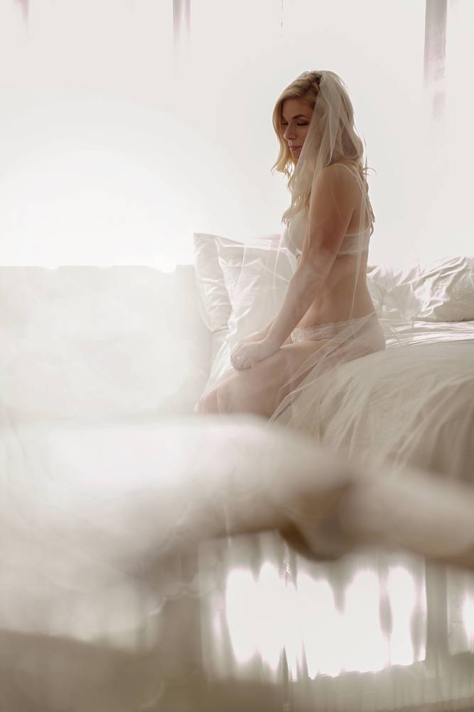bridal-boudoir-photos-16